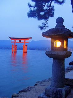 Ancient wooden temples, raked-pebble Zen gardens and chanting Buddhist monks juxtapose with space-age towers, neon and bullet trains; Japan's fascinating blend of old and new is legendary http://www.travelprofessionalssearch.co.uk/property-detail/3930/Japan/adventure_and_safari/Ancient_and_modernjapan/