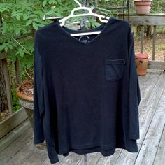 WOMENS SHIRT 65% polyester 35% cotton Machine washable Long sleeve Size 30/32  For warm weather No flaws in great condition AVENUE SPORT Tops V-Necks