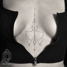 Striking Sternum Tattoo Designs For Women ❖❖❖ ❖❖❖ Most women put on their tattoo in places that are most conflictual. The confrontation pieces feature on the back of the neck, the collar, the back of their thighs, Tattoos Geometric, Dot Tattoos, Trendy Tattoos, Body Art Tattoos, Small Tattoos, Geometric Lines, Modern Tattoos, Ink Tatoo, Piercing Tattoo