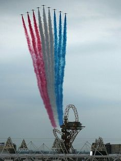 Red Arrows perform flypast over Olympic Stadium The Red Arrows fly over the Olympic Stadium and the ArcelorMittal Orbit Tower ahead of the opening ceremony of the 2012 London Olympic Games on 27 July, London Olympic Games, Raf Red Arrows, Blue Angels, Jet Plane, Royal Air Force, Air Show, Red White Blue, Military Aircraft, Great Photos