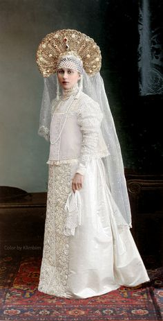 1903 Romanov Dynasty Anniversary Costume Ball in the Winter Palace, St. Fancy dress in the Russian traditional fashion of the c. Costume Russe, Style Russe, Mode Russe, Tsar Nicolas Ii, Fancy Dress Ball, Imperial Russia, Russian Fashion, Russian Style, Folk Costume