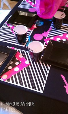 Glam Rock Star Place Settings I Glamour Avenue Parties @GlamAveParties