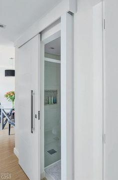 Top 5 Creative Narrow Bathroom Ideas and Design Tips Do you own a small, narrow bathroom? Then go through these creative narrow bathroom ideas and tips to help you design your home. Bathroom Doors, Bathroom Layout, Bathroom Ideas, Bathroom Pictures, Bathroom Hardware, Small Narrow Bathroom, Small Basement Bathroom, Door Design, House Design