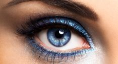 Blue eyeliner - wish I could do this with brown eyes without looking like I'm trying to be too hip and young.