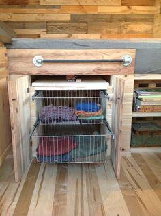 franks-diy-micro-cabin-tiny-house-on-wheels-007