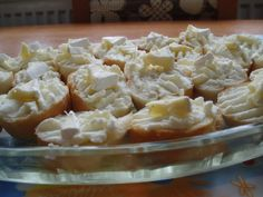 Česneková pomazánka Slovak Recipes, Czech Recipes, Ethnic Recipes, Sandwich Fillings, Tiramisu Cheesecake, Finger Foods, Food Art, Potato Salad, Macaroni And Cheese