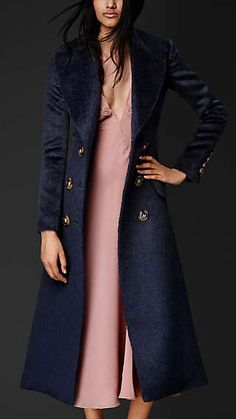 Look Fashion, High Fashion, Womens Fashion, Coats For Women, Jackets For Women, Alpaca Coat, Wool Coat, Style Haute Couture, Burberry Coat