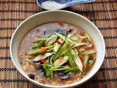 Čínská pálivě kyselá polévka Green Beans, Food And Drink, Meat, Chicken, Vegetables, Vegetable Recipes, Veggies, Cubs