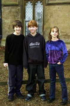 Aww they were so cute back then! Harry Potter, Ron(ald) Weasley, and Hermione Granger Daniel Radcliffe, Rupert Grint, and Emma Watson Harry Potter Tumblr, Harry James Potter, Harry Potter Hermione, Fantasia Harry Potter, Blaise Harry Potter, Images Harry Potter, Mundo Harry Potter, Harry Potter Characters, Harry Potter World