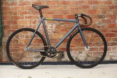 Shaun from Australia quickly snatched up a 2013 Oceanic Blue Kagero and sent me a photo of his current build… which is still in transition. Velo Retro, Retro Bike, Peugeot, Skateboard, Bicycle Painting, Fixed Gear Bicycle, Speed Bike, Bike Parts, Classic Bikes