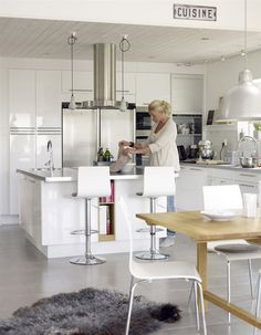Kitchen Decor Signs, Kitchen Decor Themes, Vintage Kitchen Decor, Home Decor Kitchen, Nordic Kitchen, Kitchen Wood, Modern Kitchen Island, Modern Kitchen Design, Kitchen Designs