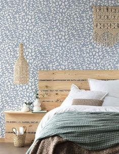 Discover all the 2019 wallpaper trends spotted at Paris Déco Off Elle Decor, Smile Wallpaper, Tropical Design, First Home, My Room, Interior Inspiration, Sweet Home, New Homes, Bedroom Decor