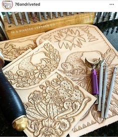 Tooled Leather Purse, Leather Art, Sewing Leather, Leather Pattern, Custom Leather, Leather Design, Leather Belts, Leather Tooling, Leather Purses