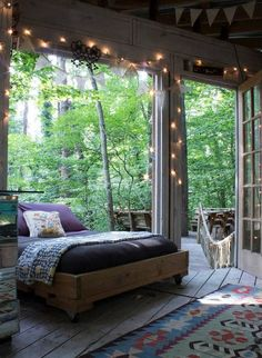 Sleeping in the treetops. Airbnb