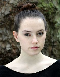 Daisy Ridley [The Force Awakens] is naturally beautiful #sexy #celebrity