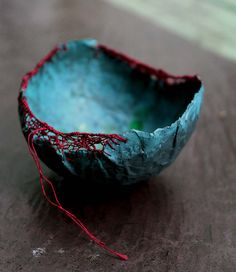 Paper Mache Bowls, Paper Bowls, Paper Mache Crafts, Paper Mache Sculpture, Sculpture Ideas, Paperclay, Kintsugi, Felt Art, Ceramic Art