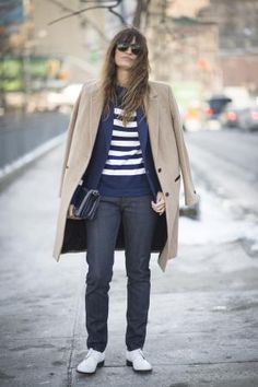 Spring fashion for women is all about great spring coats worn with trendy jeans. Take a look the best street style looks to inspire your style.: Chic Casual Style in Jeans for Spring