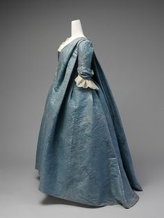 Robe Volante (image 2) | French | 1730s | silk | Metropolitan Museum of Art | Accession Number: 2010.148