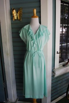 Vintage mint colored ruffled polyester by CerealVintageThrift, $26.00