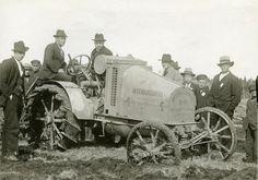 #International #traktori #tractor  Hankkijan arkisto