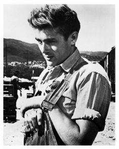 James Dean B W Photo in overalls from film East of Eden Old Hollywood Actors, Hollywood Stars, Classic Hollywood, Hollywood Glamour, James Dean Photos, Jimmy Dean, East Of Eden, Actor James, Gary Cooper