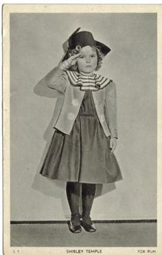 actress-SHIRLEY-TEMPLE-1930s-original-vintage-photo-postcard