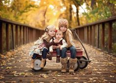 Family wagon photo idea, BUT I need one more child  ha!!