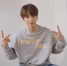 Emoji, Resume Work, Asian Boys, Boyfriend Material, Happy Day, Nct Dream, Twitter, Happy Birthday, Happiness