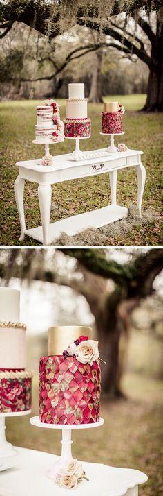 Marsala #ColorOfTheYear - Wedding Inspiration for Fall #wedding #inspiration #fall