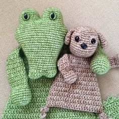 Best buddies. Patterns by @alasascha #haken #hakeniship #haakverslaafd #häkeln #hekle #crochet #crochetlove #crochetaddict #crochetersofinstagram #amigurumi #craftastherapy #alasascha #gehaaktelappenpoppen #lappenpoppen #crochetedragdolls #ragdolls #miniragdoll #crocodile #puppy #scheepjesstonewashed by iris_steensma