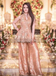 Fancy Dress Design, Stylish Dress Designs, Designs For Dresses, Stylish Dresses, Fashion Dresses, Women's Fashion, Shadi Dresses, Pakistani Formal Dresses, Pakistani Dress Design