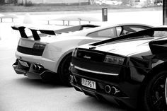 Beautiful beautiful Lamborghini's.