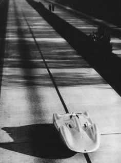 Bernd Rosemeyer, Auto-Union C-Type, setting a new flying mile record of 252,46 mph, 1937.