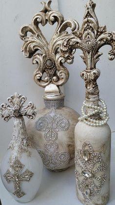 Michelle Butler Designs Fabulous Champagne Finish Bottles ❤️SHOP❤️ www. Antique Perfume Bottles, Vintage Bottles, Bottles And Jars, Glass Bottles, Glass Bottle Crafts, Diy Bottle, Bottle Vase, Decorated Liquor Bottles, Altered Bottles
