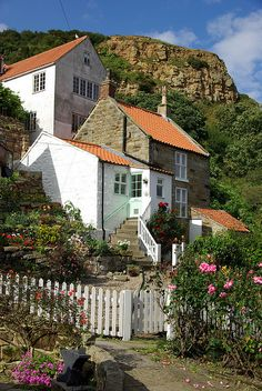 Runswick Bay, North Yorkshire, England by Bobrad Yorkshire Dales, North Yorkshire, Yorkshire England, The Places Youll Go, Places To Go, Beautiful Homes, Beautiful Places, England And Scotland, England Uk