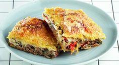 Συνήθως, σε κάθε τραπέζι εκτός από το κυρίως χρειάζεται να υπάρχει και μια πίτα, ολοκληρώνοντας έτσι το φαγητό. Ωστόσο, η πίτα μπορεί να χρησιμοποιηθεί και ως πρωινό, αλλά είναι και μια εύκολη λύση για βραδινό. Greek Recipes, Pie Recipes, Recipies, Cookie Dough Pie, Savory Muffins, Spanakopita, Sweet And Salty, Different Recipes, Tart