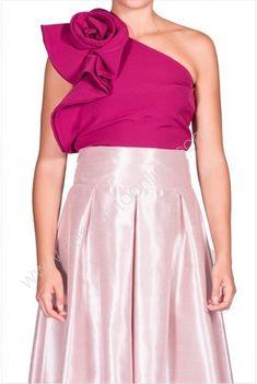 top asimetrico Crop Tops, Skirts, Fashion, Shirts, Blouses, Ruffles, Moda, Fashion Styles, Skirt