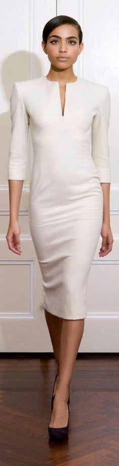 White dress by Victoria Beckham White Fashion, Work Fashion, Victoria Beckham Style, Victoria Beckham Dresses, Look Formal, Work Chic, Little White Dresses, Work Attire, Dress Me Up