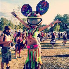 Amazing #deadmau5 fan outfit! #ravestyle #edm #edmgirl #rave #raver  #neonraver #prettyravegirl #plur