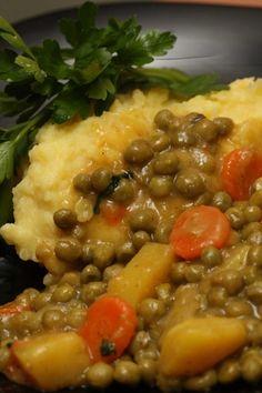"Grašak "" na gusto "" — Coolinarika Bean Recipes, Vegetarian Recipes, Cooking Recipes, Croation Recipes, Croatian Cuisine, Clean Eating Menu, Bosnian Recipes, Good Food, Yummy Food"