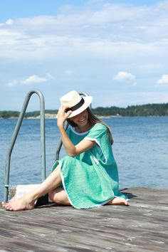Rae Feather Kaftan, La Portegna Hat, My Bags and Me Wetbag, Onia Swimsuit.jpg