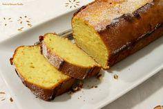 Cá em casa pediram-me que repetisse a receita de queques de manteiga da Clara de Sousa.  E eu fiz... mas em versão familiar, XL! :) Atrevo-...