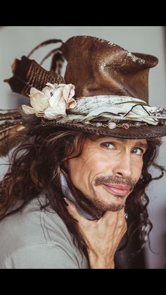 Steven in a favorite hat. Rock N Roll, Rock Y Metal, Steven Tyler Aerosmith, Joe Perry, Liv Tyler, Rock Legends, Music Icon, Christina Aguilera, Music Artists