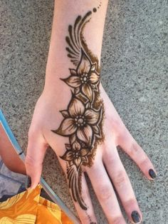 Floral Henna Design www.mehndi360.blogspot.com