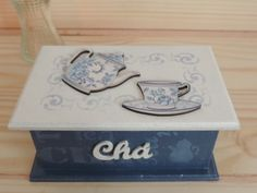 Large Wooden Box, Wooden Boxes, Shabby Chic, Arte Country, Pretty Box, Altered Boxes, Stencils, Diy And Crafts, Coasters