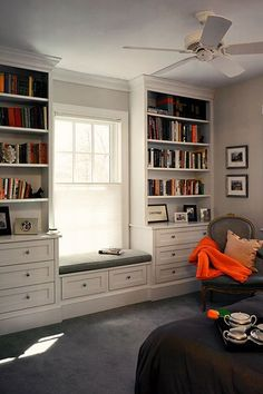 Do this with a wider window seat with a fold out bed inside. for office/ craft room Built in shelves and window seat Home Design, Interior Design, Design Ideas, Design Projects, Diy Projects, Bedroom Built Ins, Bedroom Storage, Diy Bedroom, Bedroom Girls