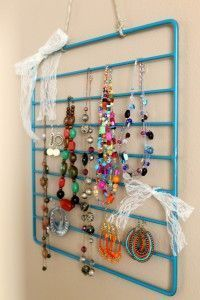 Oven rack sprayed with metallic paint for jewelry storage or display