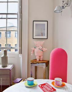 Квартира декоратора в Лондоне, 25 м² в старинном особняке в центре Ковент-Гардена. Хозяин и декоратор - Марк Перидис, владелец Лондонской галереи современного дизайна 19 Greek Srteet.