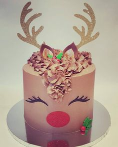 Limited availability already😘 love how organised some people are ❤️🌲⛄ Christmas Raindeer, Christmas Tree Cupcakes, Christmas Treats, All Things Christmas, Christmas Recipes, Holiday Decorating, Cake Decorating, Decorating Ideas, Raindeer Cake