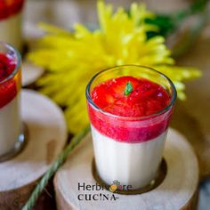 Easy to make Vegan Panna Cotta; this Strawberry and Vanilla flavored dessert is the recipe you need for your parties and beyond! Vegan Panna Cotta, Vanilla Panna Cotta, Vanilla Flavoring, Vegetarian Desserts, Delicious Desserts, Vegan Recipes, Strawberry Topping, Sweet Sauce, Vegan Chocolate